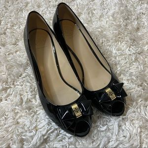 TORY BURCH Stacked Bow Peep Toe Wedge Pumps 9
